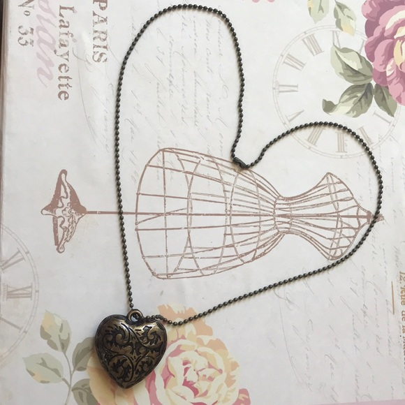 Jewelry - BRONZE HEART NECKLACE